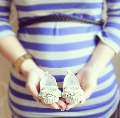 belly and shoes